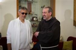 Andrea Bocelli e il Custode di Terra Santa