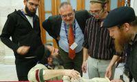 Bücher Brücken des Friedens in Jerusalem: Treffen und Austausch mit den Studenten der Hebräischen Universität