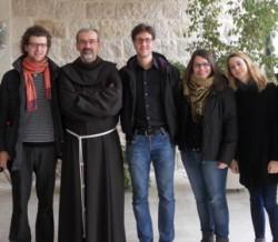 Custode e volontari di Betlemme